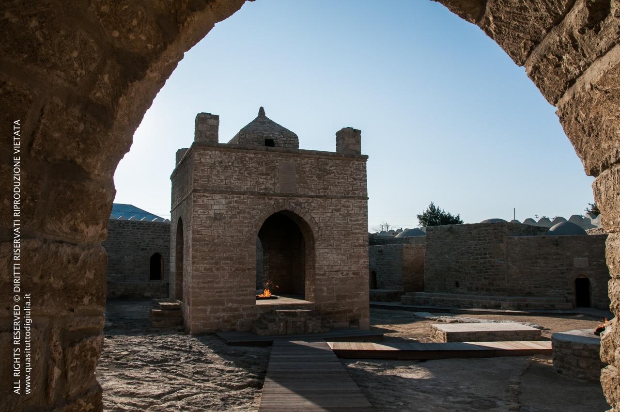 Baku, museo a cielo aperto dedicato allo Zoroastrismo