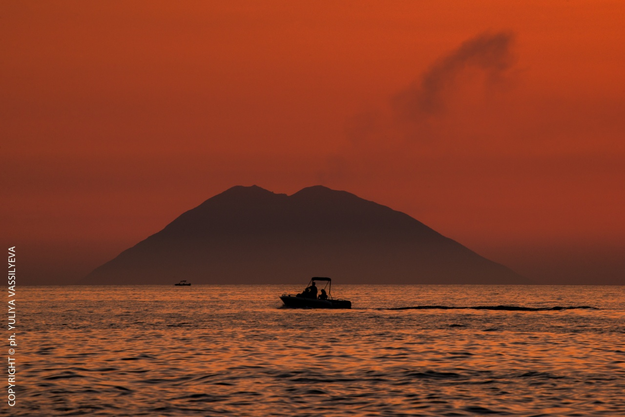 Stromboli al tramonto