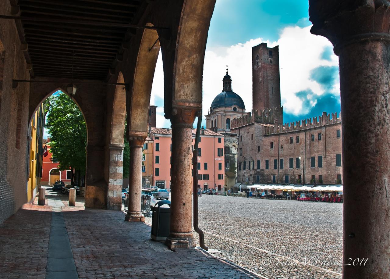 Mantova, Torre della Gabbia XIII e Palazzo Guerrieri Gonzaga
