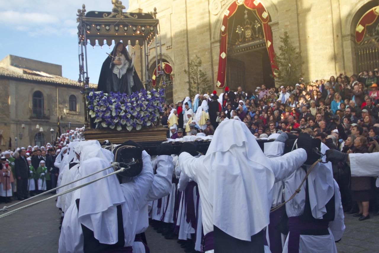 processione venerdi' santo,pasqua enna