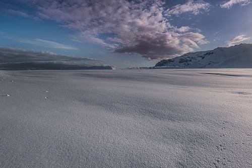 Panorama gdi ghiaccio lungo la ring road nel sud della Islanda - (icy landscape along the ring road in the South of Iceland)